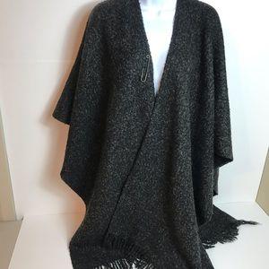 Preston & York wool blend cape w fringe
